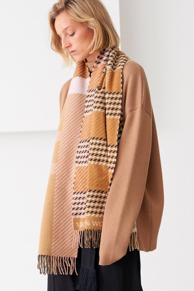 Принц Чарльз выпустил премиальный шерстяной шарф   BURO.