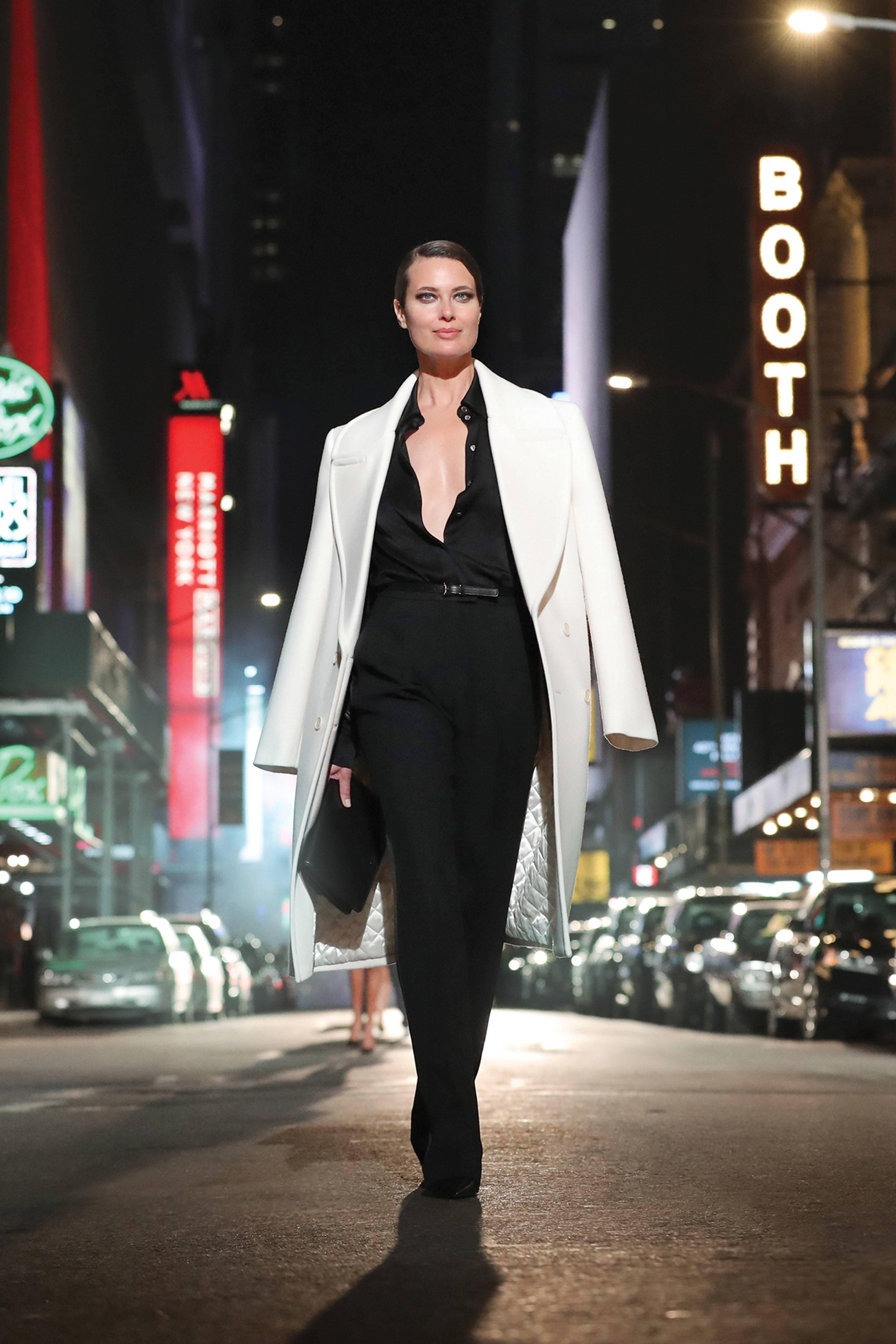 Michael Kors провел показ в центре Нью-Йорка в честь 40-летия бренда (фото 7)