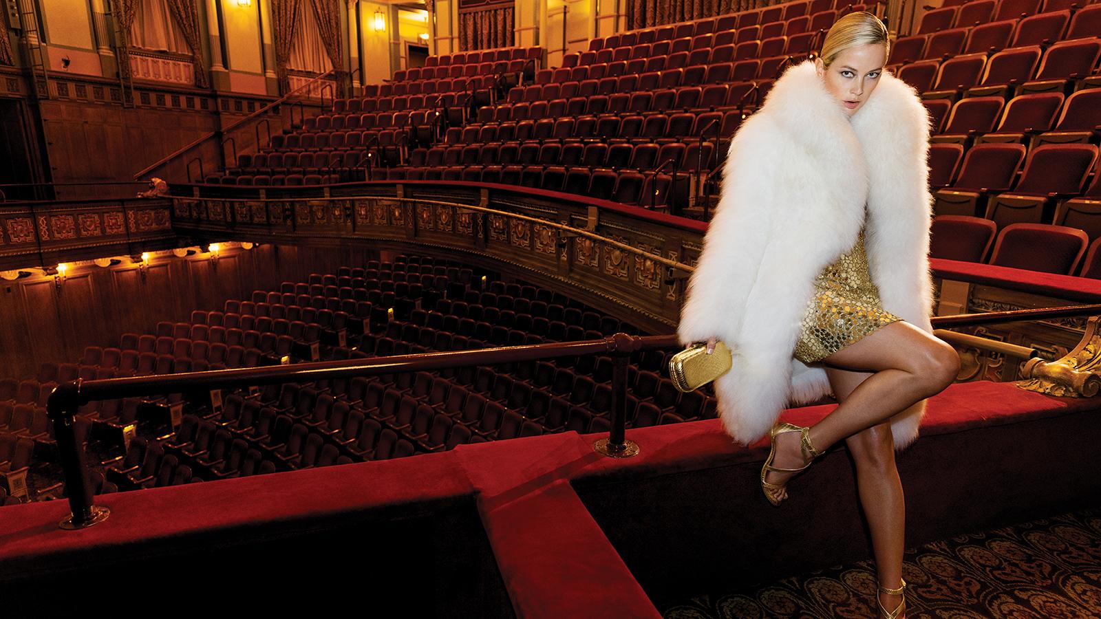 Наоми Кэмпбелл позирует на ночном Бродвее в новой кампании Michael Kors Collection (фото 2)
