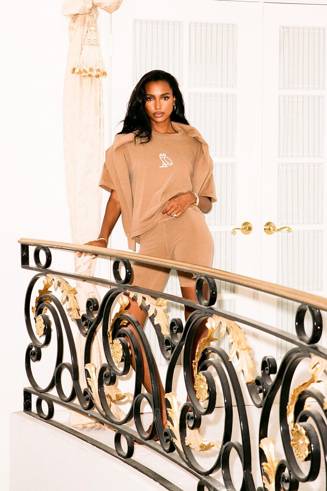 Бренд Дрейка OVO выпустил коллекцию одежды для домашнего отдыха (фото 1)