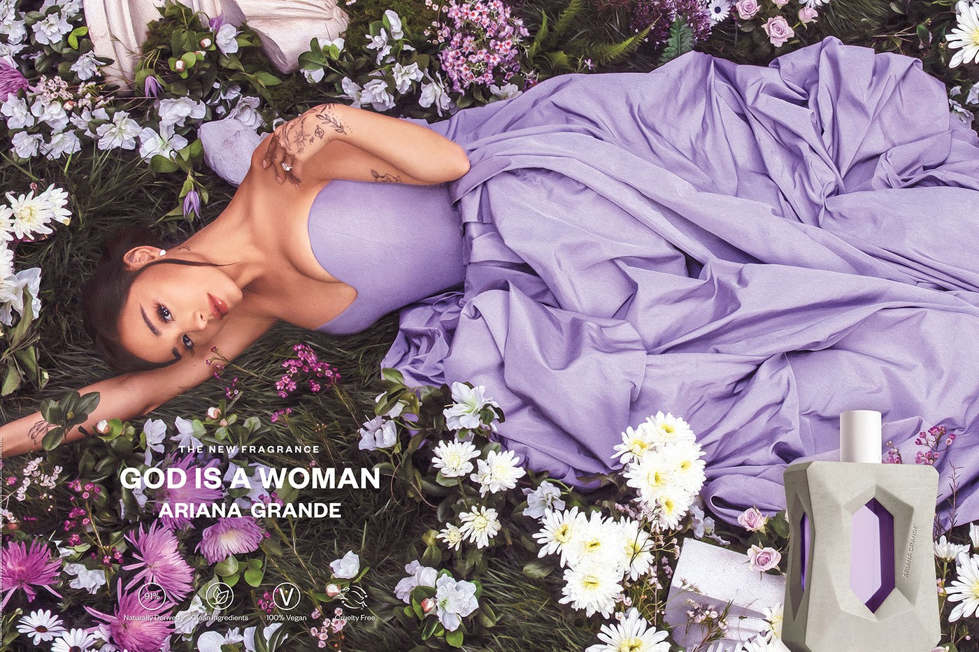 Ариана Гранде запустила продажи аромата God is a Woman (фото 2)