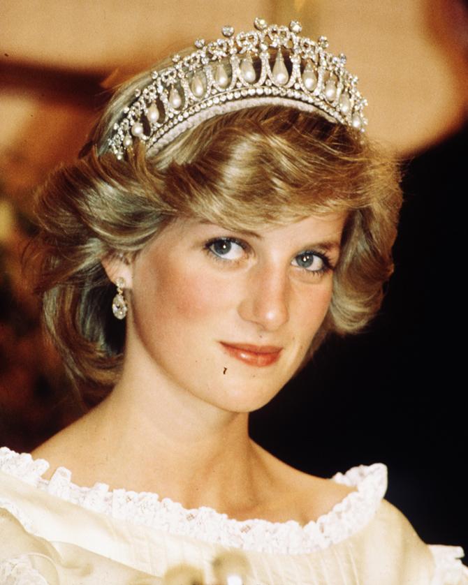Ободок с короной (40 фото): для девочки-принцессы из фоамирана ...   838x670