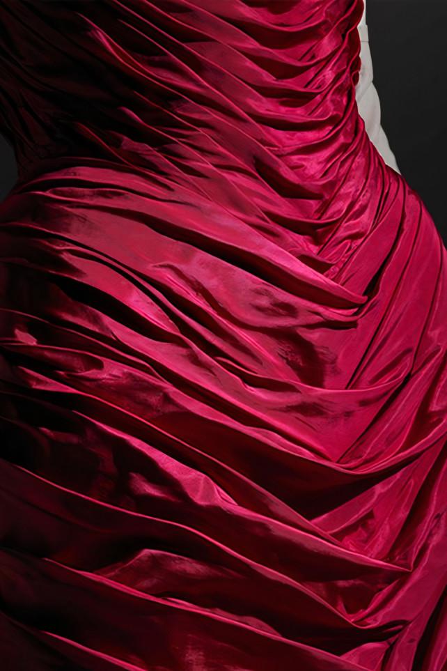 От Вествуд до Маккуина. Что стоит за образами Круэллы — диснеевской злодейки в исполнении Эммы Стоун (фото 3)